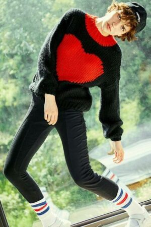 Contrast Heart Pattern Sweater